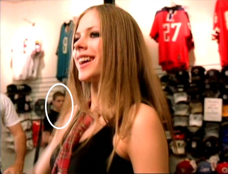 Other: Won Avril her first MTV Video Music Award for Best ... Avril Lavigne Complicated